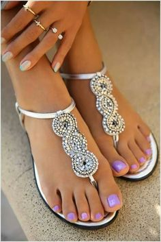 pretty flat sandals......perfect for summer