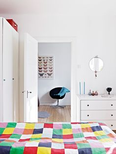 my scandinavian home: White with splashes of colour Patchwork Chair, Cute Cottage, Swedish House, Kids Decor, Home Decor, Scandinavian Home, Glass House, Ideal Home, Home And Living