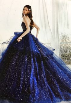 Cute Prom Dresses, Dream Wedding Dresses, Pretty Dresses, Stunning Dresses, Unique Dresses, Beautiful Gowns, Marine Uniform, Fantasy Gowns, Quince Dresses