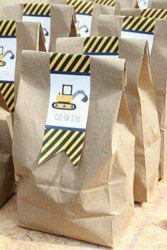 Construction party bags -- perfect for lunches! Digger Birthday, Digger Party, Boy Birthday, Birthday Banners, Birthday Invitations, Birthday Ideas, Construction Party Favors, Construction Birthday Parties, 4th Birthday Parties
