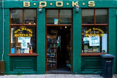 Books in Dundee © LGHSTF Spent a lot of time in Dundee but never visited this place but there were similar shops in St. Andrews and Edinburgh that I did visit.