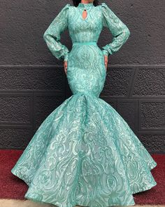 Perfection in a dress 😍🎊💙💝 Tag BFF . Not for sale! Lace Dress Styles, African Lace Dresses, Latest African Fashion Dresses, Black Mermaid Dress, Mermaid Prom Dresses, Green Evening Gowns, Evening Dresses, Long Dresses, Elegant Dresses