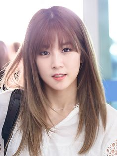 """ TOP LIST"" 30 kiểu tóc ngắn uốn cụp đẹp nhất 2019 The Most Beautiful Girl, Beautiful Asian Girls, Kpop Girl Groups, Kpop Girls, Pink Park, Eunji Apink, Tomboy Hairstyles, Layered Haircuts, Hair Trends"