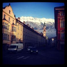 Maria Theresienstraße #Innsbruck mit #Servitenkirche.