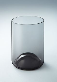 Two Create - Punt Carafe Glass Vessel, Glass Ceramic, Glass Art, Bottle Design, Glass Design, Cocktail Illustration, Bottle Packaging, Shape And Form, Tallit