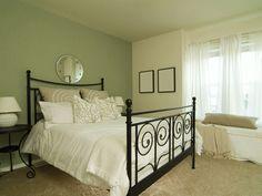 olijfgroene muur slaapkamer - Google zoeken