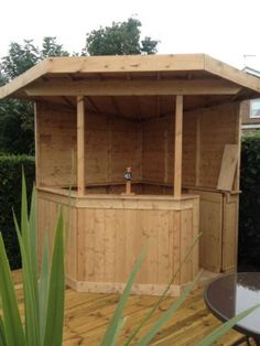 Large DELUXE+ 6ft corner garden bar More