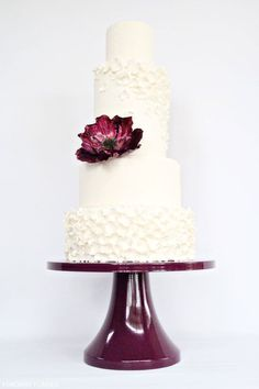 wedding cake, blue flower instead of purple