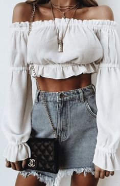 Best Spring Outfits Casual Part 33 Trend Fashion, Look Fashion, Womens Fashion, 90s Fashion, Fashion Ideas, Fashion 2018, Vintage Fashion, Fashion Hacks, Fashion Sale