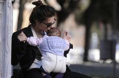 Mamma Valentina Cervi a spasso per Roma - Le Nuove Mamme