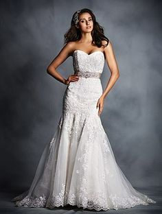 Alfred Angelo Bridal Style 2506 from All Wedding Dress Collections Wedding Dresses Size 14, Wedding Bridesmaid Dresses, Cheap Wedding Dress, Designer Wedding Dresses, Bridal Dresses, Wedding Gowns, Wedding Pics, Lace Wedding, Dream Wedding