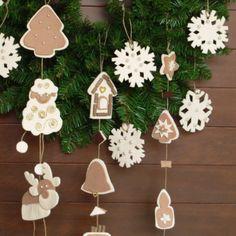 Ghirlanda con decori natalizi in feltro