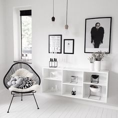 Find your favorite minimalist living room photos here. Decor Room, Living Room Decor, Bedroom Decor, Home Decor, Design Bedroom, Decoration Inspiration, Interior Inspiration, Room Decor For Teen Girls, Black And White Interior
