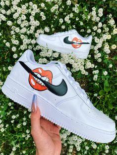 Dr Shoes, Cute Nike Shoes, Swag Shoes, Cute Sneakers, Hype Shoes, Me Too Shoes, Nike Custom Shoes, Custom Jordans, Jordan Shoes Girls