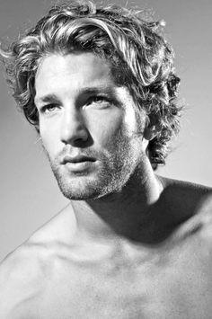 Thick, Wavy, Classic - Men's Haircut -
