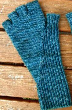 Скрытые митенки ластовица и перчатки: Knitty Первый осени 2014 по Krystal