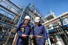 Power plant maintenance training and qualification programs are just as important as operations training. Well-trained Maintenance personnel can minimize downtime, increase operational availability, and improve power plant efficiency. Standard Operating Procedure, Energy Services, Job Employment, Chemical Industry, Industrial, Best Investments, Oil And Gas, Stock Foto, Illustration