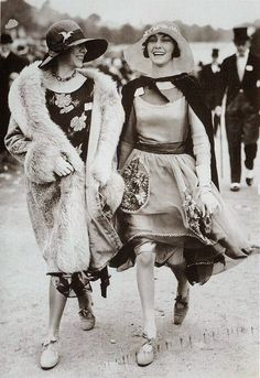 Women's Street Fashion of the 1920s
