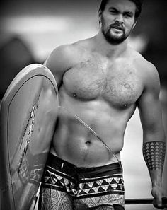 JASON MOMOA <3 Need a little eye candy right now.....yes....