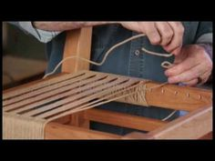 bank yapimi Ken Burton takes you through the final steps of weaving the seat of your chair in the onlineEXTRA to our cover project in the Aug/Sept 2016 issue of Woodcraf. How To Weave A Chair Seat, Diy Wood Projects, Wood Crafts, Handmade Furniture, Diy Furniture, Chair Repair, Macrame Chairs, Woven Chair, Reupholster Furniture