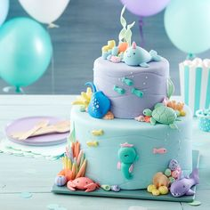 This Under the Sea Cake is perfect for a first birthday party or ocean-themed celebration! 🐟🐢🦀Use fondant to make your adorable sea… Baby Birthday Cakes, First Birthday Parties, First Birthdays, Wilton Cakes, Decors Pate A Sucre, Rodjendanske Torte, Ocean Cakes, Pancakes, Cake Decorating Tutorials