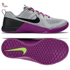 Metcon 2, Chaussures Multisport Outdoor Femme, Multicolore (Bleached Lilac/Bright Mango/Purple Dynasty), 40 EUNike