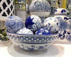 These pretty round Chinoiserie ginger jar in cobalt blue and white carpet balls . These pretty rou Blue And White Living Room, Blue And White Vase, White Vases, White Carpet, Blue Carpet, Chinoiserie, Bedside Table Decor, Blue Rooms, Blue China