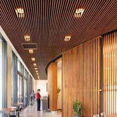 los paneles de techo de madera