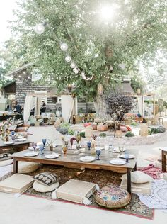 Daughters of Simone Co-Owner's Backyard Bohemian Bon Voyage Party Bon Voyage Backyard Bohemian Moroccan Party. Boho Garden Party, Garden Party Decorations, Bohemian Party Decorations, Garden Parties, Garden Party Wedding, Summer Garden, Bohemian Garden Ideas, Summer Backyard Parties, Bohemian Patio