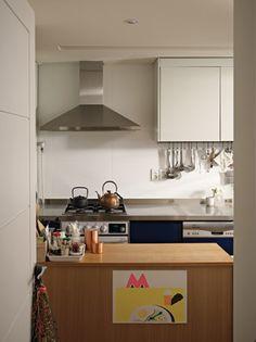 온기 있는 집 : 햇빛이 예쁜 집 : 네이버 포스트 Interior Decorating, Kitchen Cabinets, Living Room, Table, House, Furniture, Heaven, Cozy, Interiors