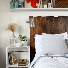 You are currently showing here the ideas of DIY Pallet Furniture Ideas 12 DIY Pallet Headboard Ideas. DIY Pallet Headboard Designs Furniture is the wooden of Diy Headboards, Wood Headboard, Headboard Ideas, Bed Backboard, Beach Headboard, Light Headboard, Country Headboard, Reclaimed Headboard, Shelf Headboard