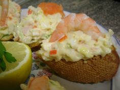 Montadito de palito de cangrejo con gamba Relleno, Finger Foods, Catering, Eggs, Breakfast, Desserts, Doa, Spanish, Crab Stick