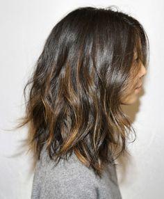 great length, wavy hair, brunette highlights