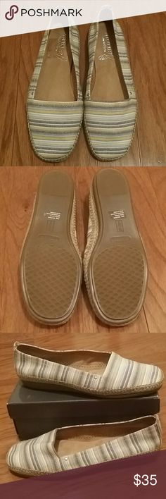 """Aerosoles """"StitchNTurn"""" Shoes Adorable and comfortable canvas slip on shoes.  These are new without tags. AEROSOLES Shoes Flats & Loafers"""