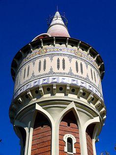 Barcelona - Gas 001 b 1 Torre dAigües de Catalana de Gas Architect: Josep Domènech i Estapà