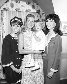 BEWITCHED - 'Witches And Warlocks Are My Favorite Thing' - Airdate: September 29, 1966. (Photo by ABC Photo Archives/ABC via Getty Images)JUDY CARNE ('LOVE ON A ROOFTOP');ELIZABETH