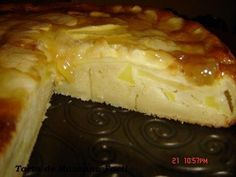 TARTA DE MANZANA FACIL Apple Cake Recipes, Sweets Recipes, Easy Desserts, Cake Frosting Recipe, Frosting Recipes, Delicious Deserts, Yummy Food, Hispanic Desserts, Bien Tasty