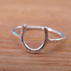 sweetnirvanas horse shoe ring