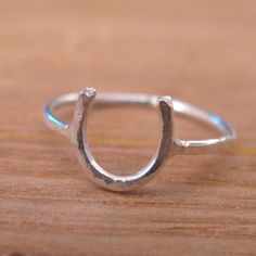 sweetnirvanas horse shoe ring