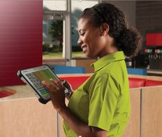 Top 4 Features That Your Mobile POS Solution Must Have