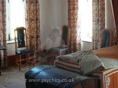 Ghost Pictures - Real or Fake? Images and photographs of ghosts studied.