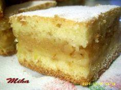 Prajitura turnata cu mere, Rețetă Petitchef No Cook Desserts, Apple Desserts, Sweets Recipes, Cake Recipes, Cooking Recipes, Romanian Food, No Bake Cake, Vanilla Cake, Deserts