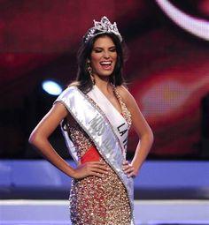 Carlina Duran Miss Universe Dominican Republic 2012