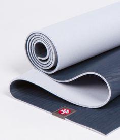 Die eKO® Matte bietet eine von Natur aus griffige Oberfläche, die Dich auffängt, wenn Du rutschst. Diese Yogamatte besteht aus biologisch abbaubarem, nachhaltig gewonnenem Naturkautschuk (nicht aus dem Amazonas). Die eKO® trägt ihren Teil dazu bei, Deine Übung zu unterstützen und unseren Planeten zu schützen.