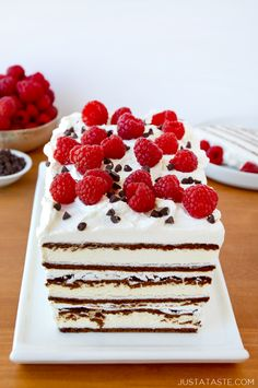 Whip up a quick and frosty dessert recipe with an easy ice cream sandwich cake made with whipped cream and fresh fruit. Whip up a quick and frosty dessert recipe with an easy ice cream sandwich cake made with whipped cream and fresh fruit. Ice Cream Desserts, Köstliche Desserts, Frozen Desserts, Ice Cream Recipes, Delicious Desserts, Dessert Recipes, Frozen Treats, Cake Recipes, Summer Desserts