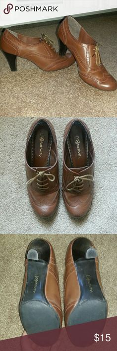 Brown heeled Oxfords. Shoes. 9.5 Very cute. Business appropriate. Professional Looking. Camel Color. Lovingly worn. Rounded toe for wider foot. Relativity Shoes Heels