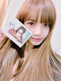 blackpink in your area Kim Jennie, Yg Entertainment, K Pop, South Korean Girls, Korean Girl Groups, Lisa Bp, Black Pink, Girl Celebrities, Park Chaeyoung