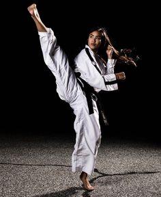 This Content For Yourself If You Like martial arts styles Best Martial Arts, Martial Arts Styles, Martial Arts Women, Mixed Martial Arts, Taekwondo Girl, Karate Girl, Kung Fu, Karate Shotokan, Tough Woman