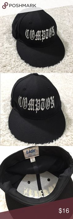 Compton Fitted Cap Hat is gently used in very good condition. size 7 3/8. Bundle and save 15% 💕✨ Lids Accessories Hats
