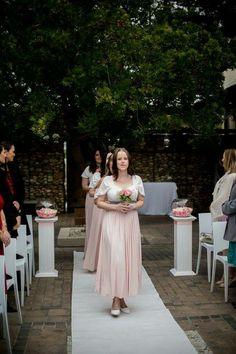 Bridesmaid Dresses, Wedding Dresses, Bouquets, Flowers, Fashion, Bridesmade Dresses, Bride Dresses, Moda, Bridal Gowns